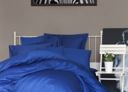 Cearceaf de pat satin cu elastic bumbac 100%, 140x200cm, albastru inchis - resigilat, ambalaj deteriorat, produs intact