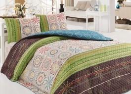 Cuvertura matlasata cu 2 fete perna pentru pat dublu, Eponj Home, Aries - Green