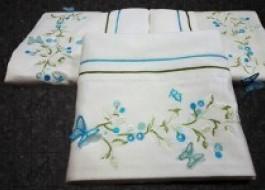 Prosop velur cu broderie 3D Butterfly alb-albastru 50x90cm