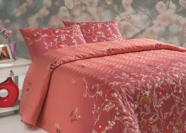 Set cuvertura matlasata 200x220cm+ 2 fete perna 50x70cm Sultana - Red