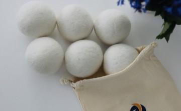 Bilele de lâna organica: solutia pentru uscarea rapida a hainelor în uscator