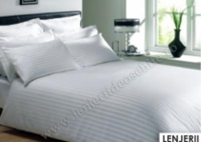 Lenjerie de pat damasc cu 2 cearceafuri pilota culoarea alb