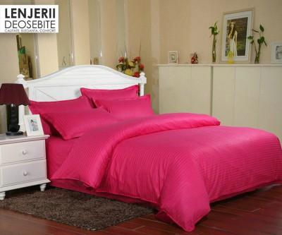 Lenjerie de pat damasc cu 2 cearceafuri pilota culoarea rosu spal
